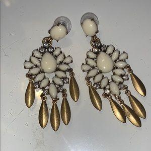 Stella & Dot festive holiday earrings